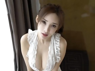 Chinese Model: Zhou Yanxi(周妍希) shows her sweet pussy straight asian